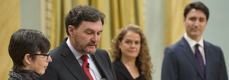 Richard Wagner (BSocSc '78, LLL '79) is sworn in as Canada's Supreme Court chief justice in the presence of Governor General Julie Payette and Prime Minister Justin Trudeau. Photo: MCpl Vincent Carbonneau / Rideau Hall