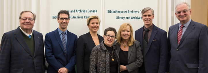 From left: ​Guy Berthiaume (Librarian and Archivist of Canada), Jean-Pierre Corbeil (Statistics Canada), Stéphanie Gaudet (CIRCEM director), Anne Gilbert (professor emerita and CIRCEM co-founder), Catherine Bélanger (widow of Mauril Bélanger), Professor B