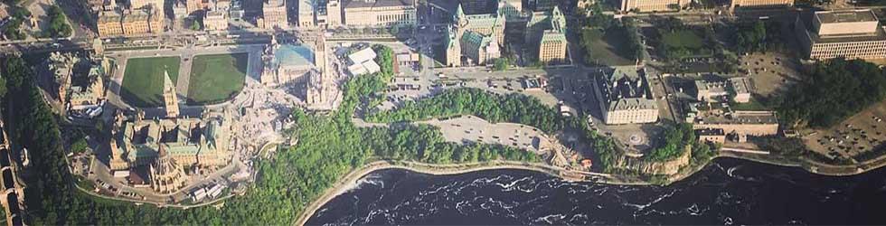 Photo aérienne de la colline parlementaire d'ottawa et des bâtiments fédéraux
