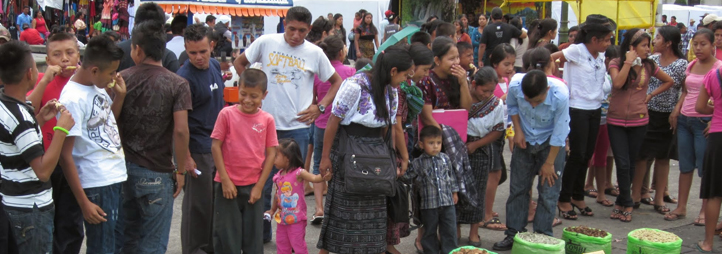 group photo of people in Guatemala