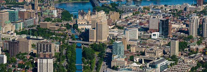 Aerial view of downtown Ottawa with uOttawa campus